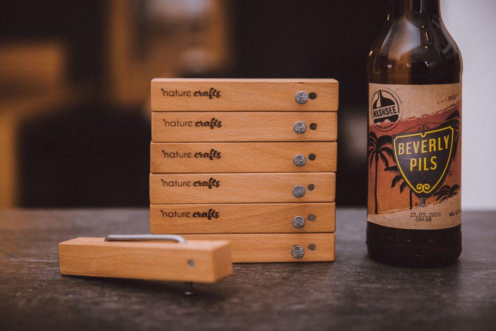 Flaschenöffner Nail it mit Bier